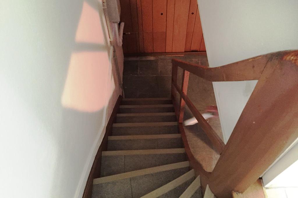 Treppenaustritt vorher